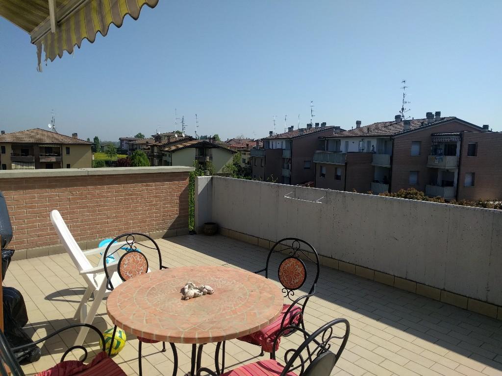 APPARTAMENTO in zona Roncocesi a Reggio Emilia