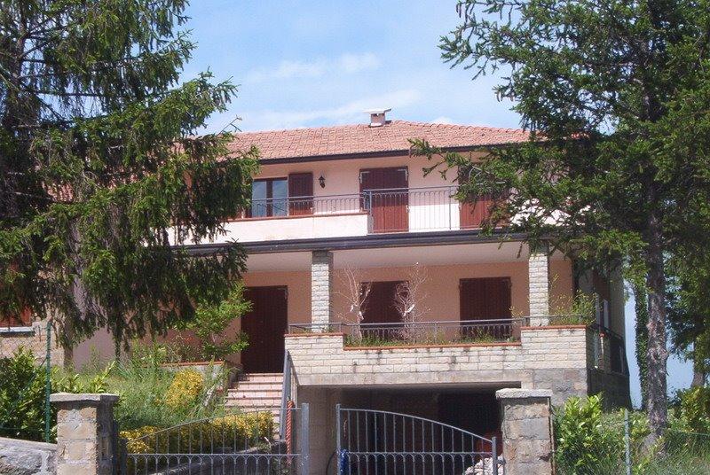 CASA SINGOLA in zona Casina a Casina