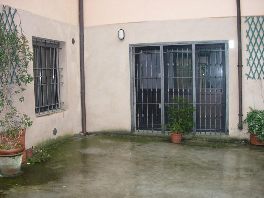 LABORATORIO in zona Emilia all'Angelo a Reggio Emilia