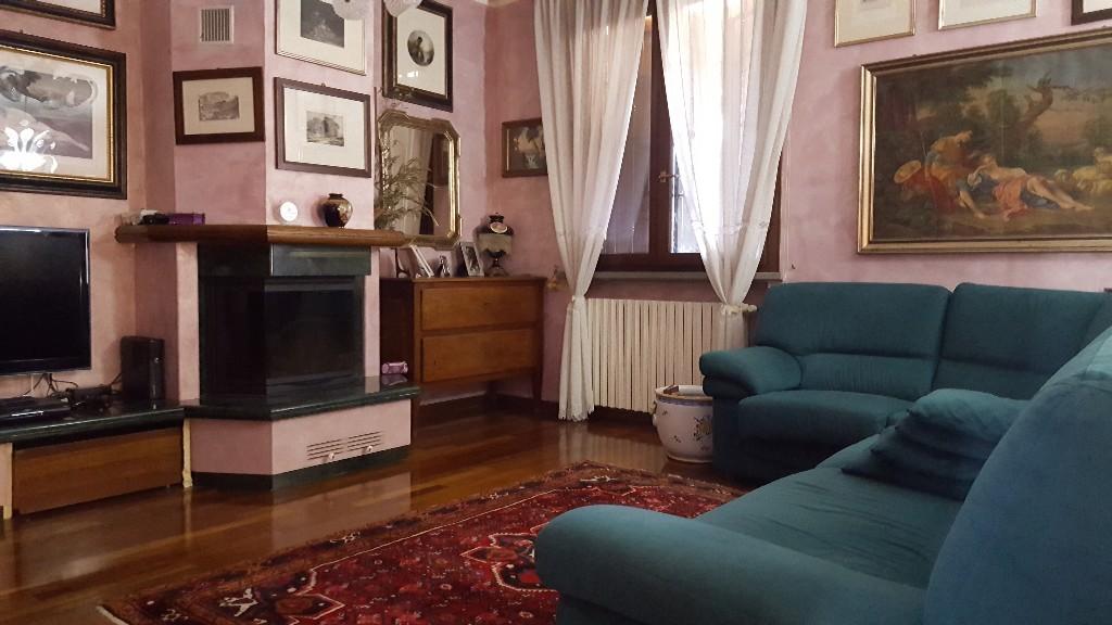 VILLA ABBINATA in zona Rivalta a Reggio Emilia