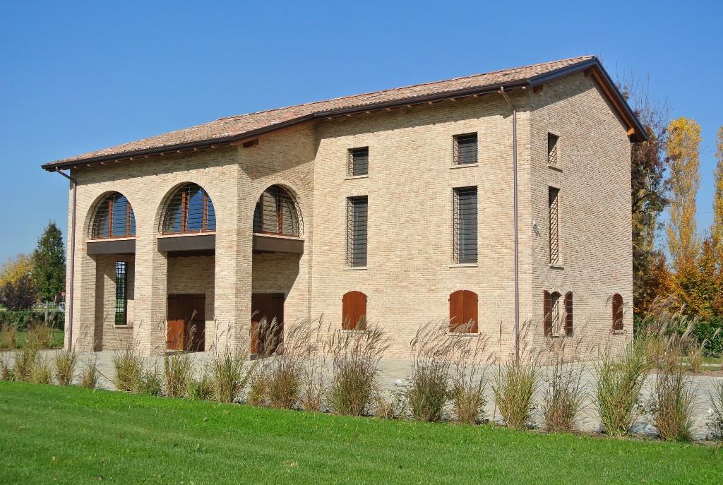 VILLA in zona San Maurizio a Reggio Emilia
