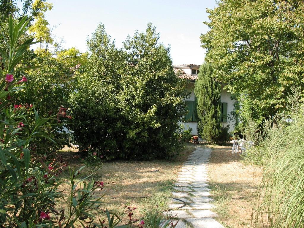 VILLA in zona Montecavolo a Quattro Castella