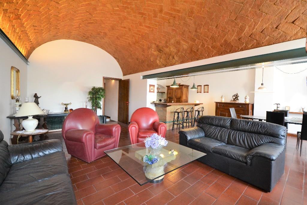 VILLA in zona Montecchio a Montecchio Emilia